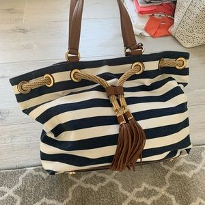 Michael Kors large tote. Barely used excellent